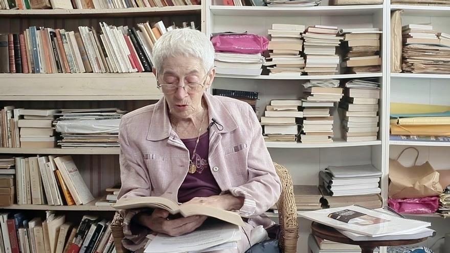 Mor als 94 anys l'escriptora Renada Laura Portet, Creu de Sant Jordi al 2004