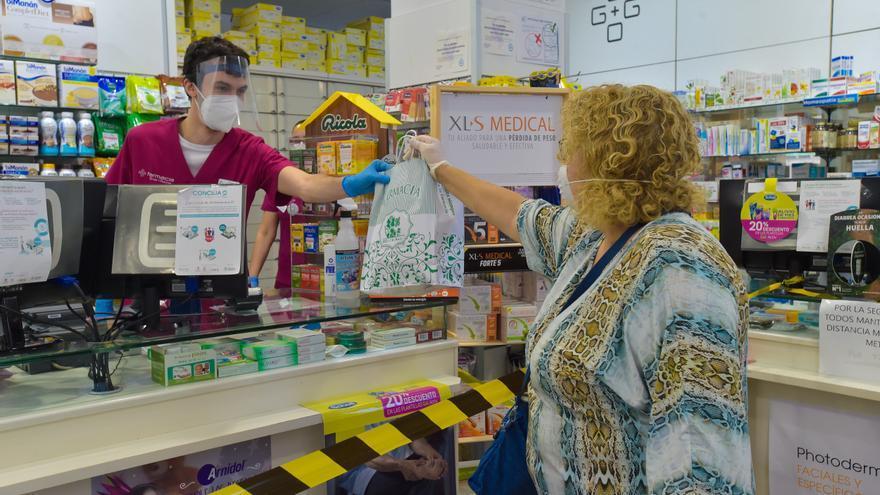 Los farmacéuticos de las Islas denuncian su ausencia en la lucha contra el coronavirus