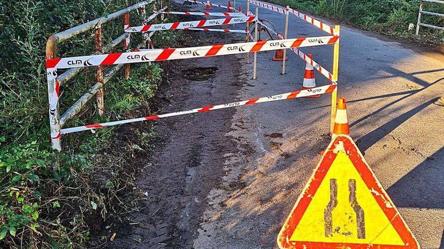 El Concello repara los desperfectos en el puente de Cristín