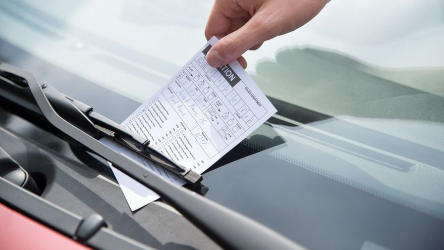 ¿Cuándo prescribe una multa de tráfico?