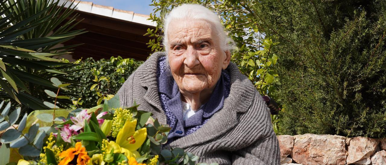 Catalina Torres Ferrer, la abuela de Formentera con 102 años de edad. Paula Yern