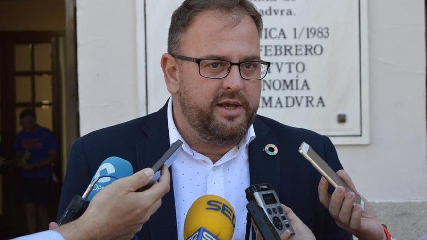 El PSOE de Mérida pierde una concejal a favor de Vox