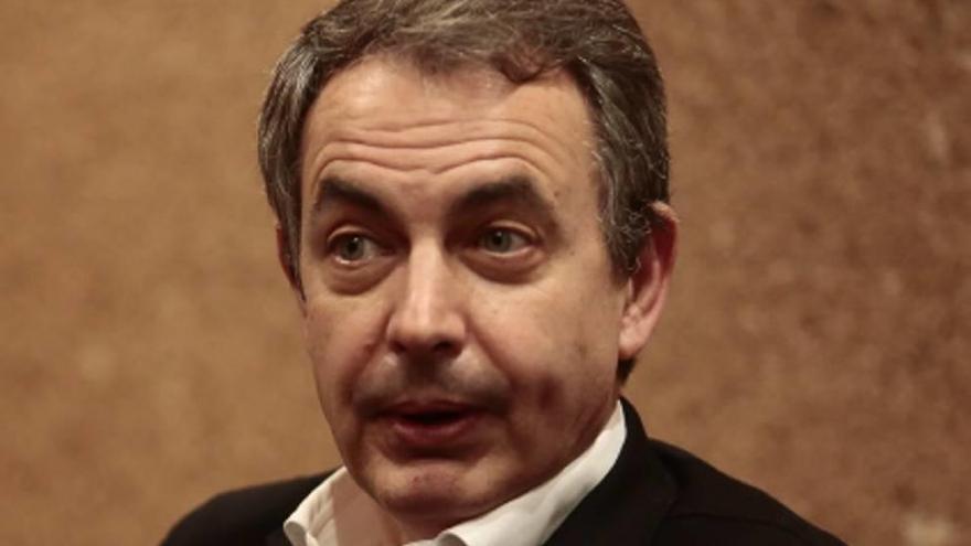 Zapatero se reúne con los militantes para apoyar a Susana Díaz