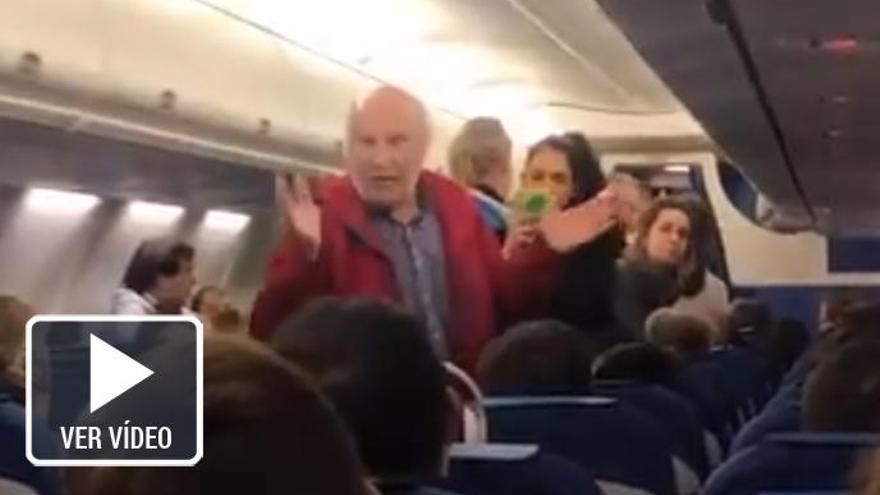 Echan de un avión a una pareja española por no poder comunicarse en inglés