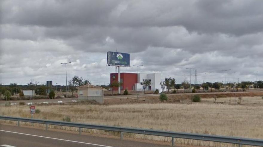 Junta y Adif impulsarán este año la terminal de Expacio Mérida