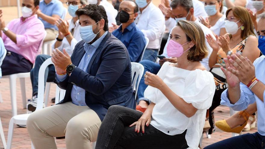 Gamarra anuncia una campaña de reformas legislativas del PP para abaratar el recibo de la luz