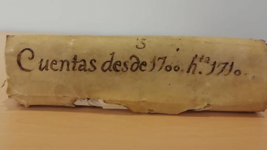 Crevillent recupera su libro de cuentas del siglo XVIII