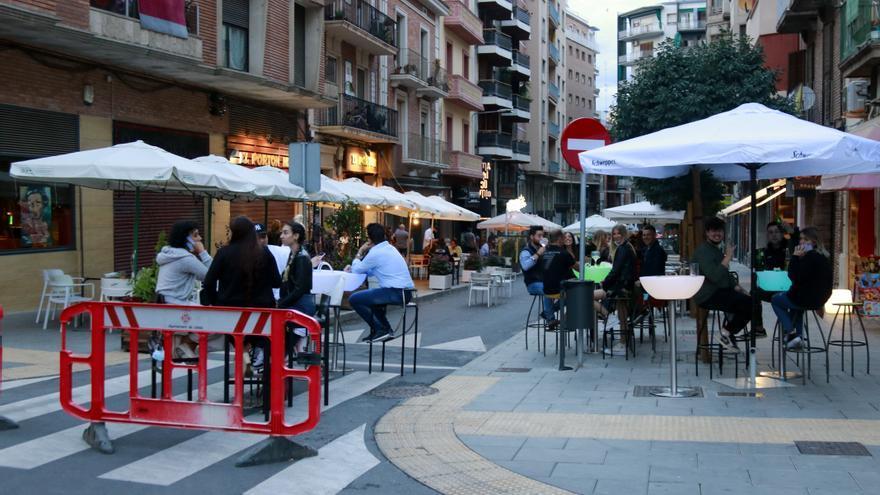 El Procicat aprova els espais de ball a festes majors i amplia a deu les persones en taules exteriors de restaurants