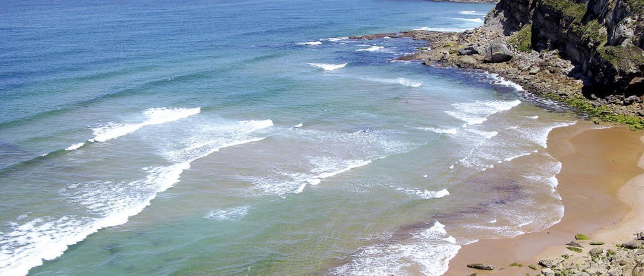 Playa de la Tablía donde se localizaron los restos.