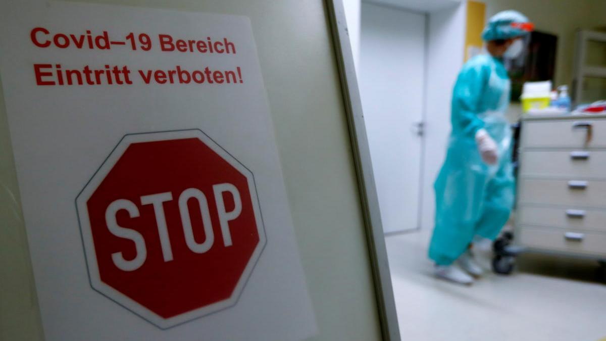 Un cartel informativo en un hospital de Berlín