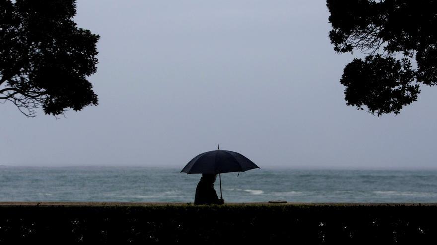 El temporal deja rachas de viento de más de 120 kilómetros y fuertes precipitaciones