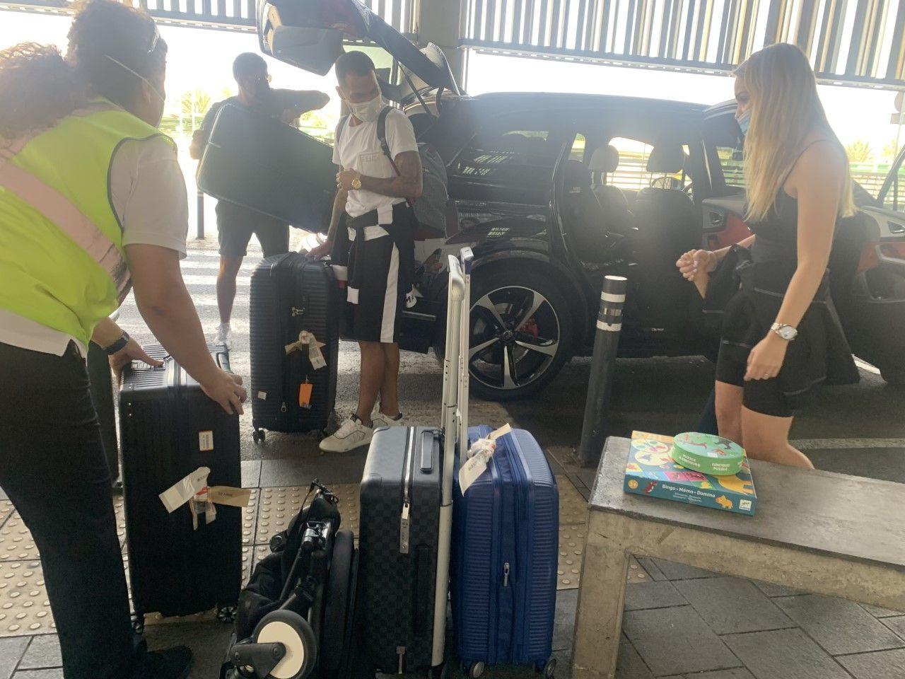 Llegada de Jonathan Viera al Aeropuerto de Gran Canaria