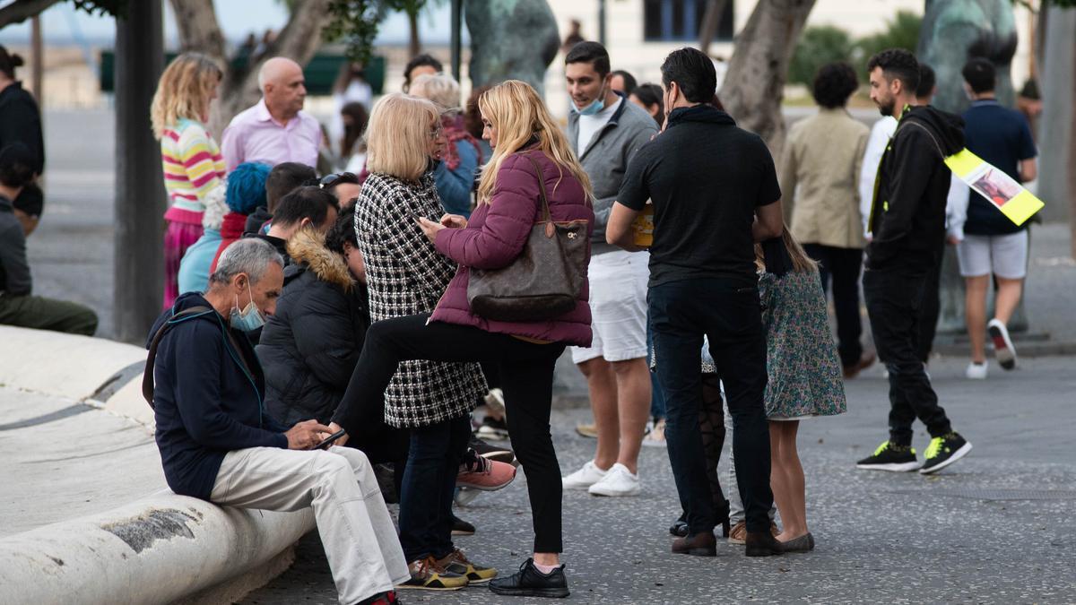 Concentración de negacionistas en Tenerife.