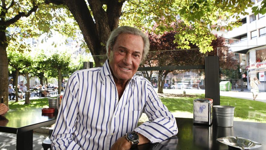 El Jovellanos inicia el reparto de entradas para el homenaje a Arturo Fernández