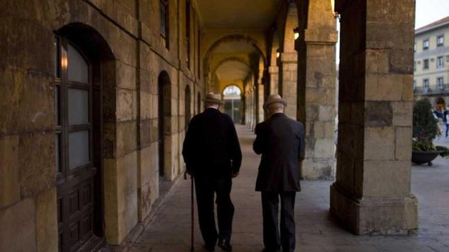 Uno de cada diez ancianos que viven en geriátricos vuelve a su casa por la crisis