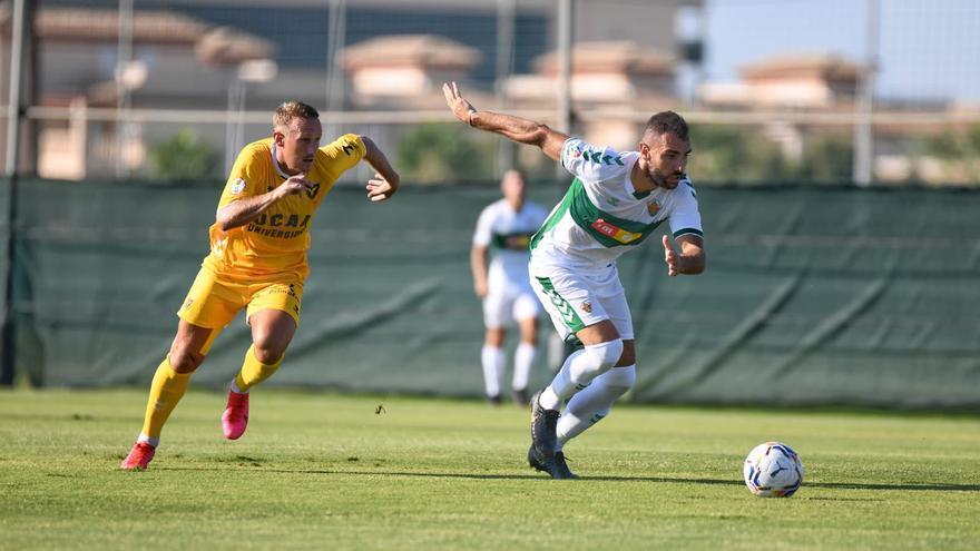 El Elche vence al UCAM (2-0) en el primer amistoso de pretemporada