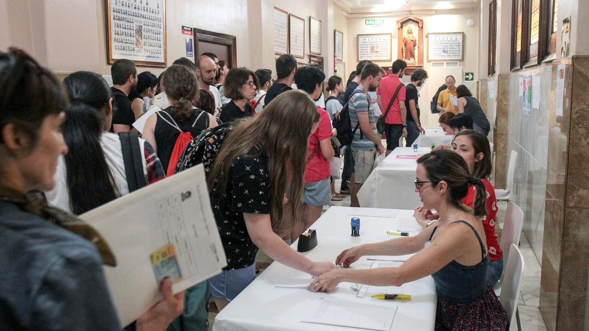 Examen de japonés en València en 2019