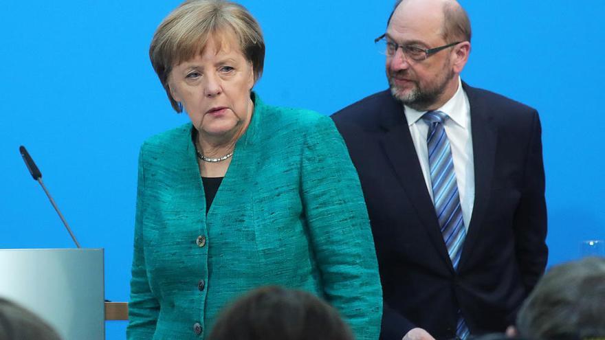 Merkel y Schulz reeditan su acuerdo de 'gran coalición'