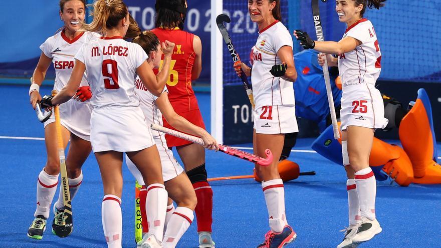 La selección femenina de hockey se impone a China y se acerca a los cuartos