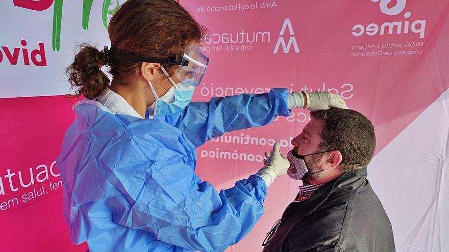 Un test massiu a treballadors a Sant Fruitós no registra cap positiu