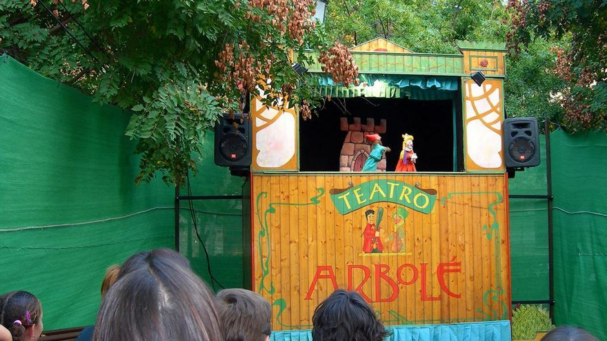 La barraca de títeres de Arbolé vuelve a escena