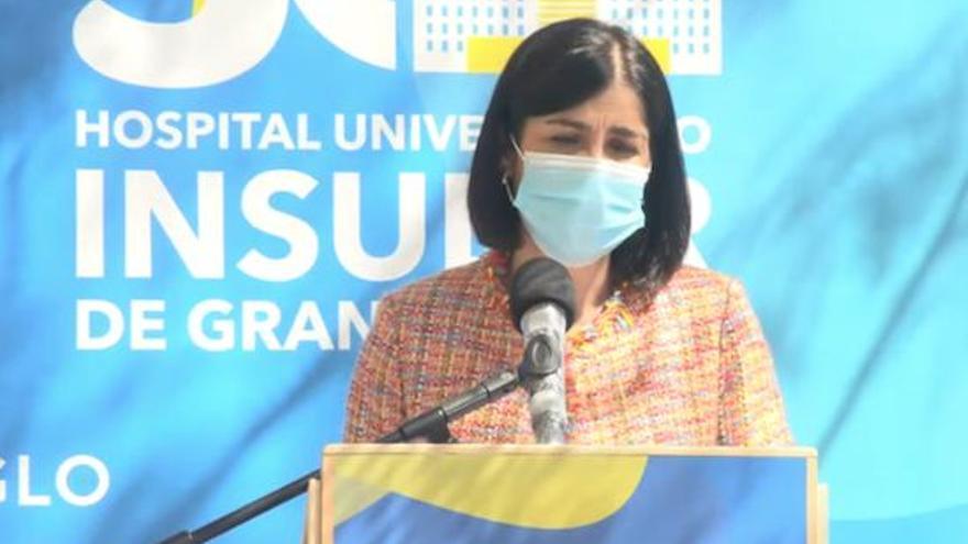 """Carolina Darias: """"La manera de vencer al coronavirus es vacunar, vacunar y vacunar"""""""