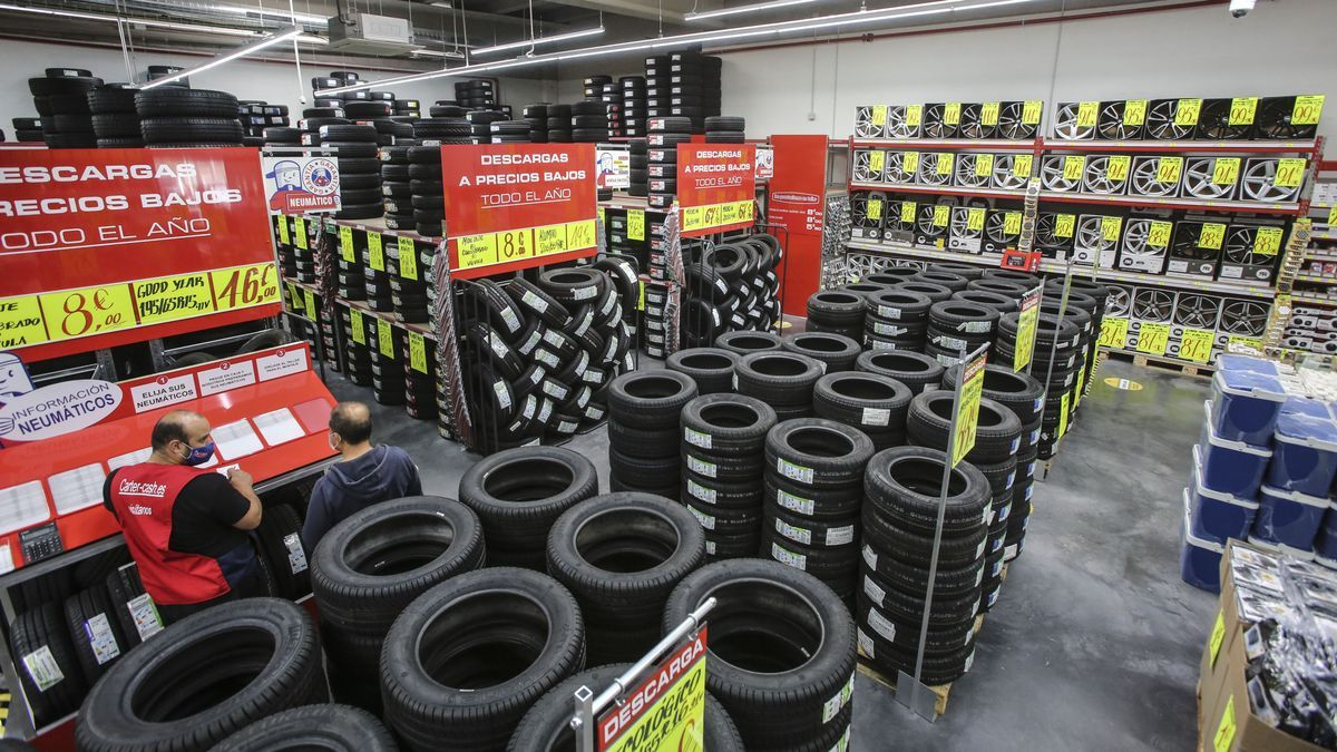 En Carter-Cash Alicante encontrarás más de 1.500 neumáticos nuevos en stock