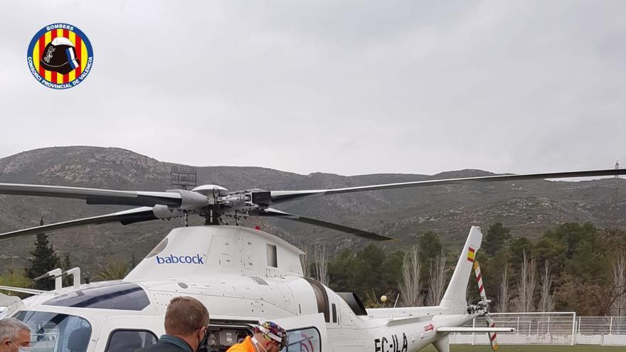 Un hombre se precipita desde 4 metros de altura en un accidente laboral en Gestalgar