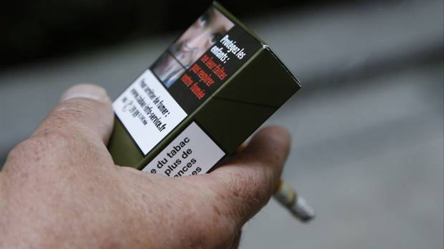 Pillado sin mascarilla y fumando en Lugo gracias a una denuncia hecha desde Alicante