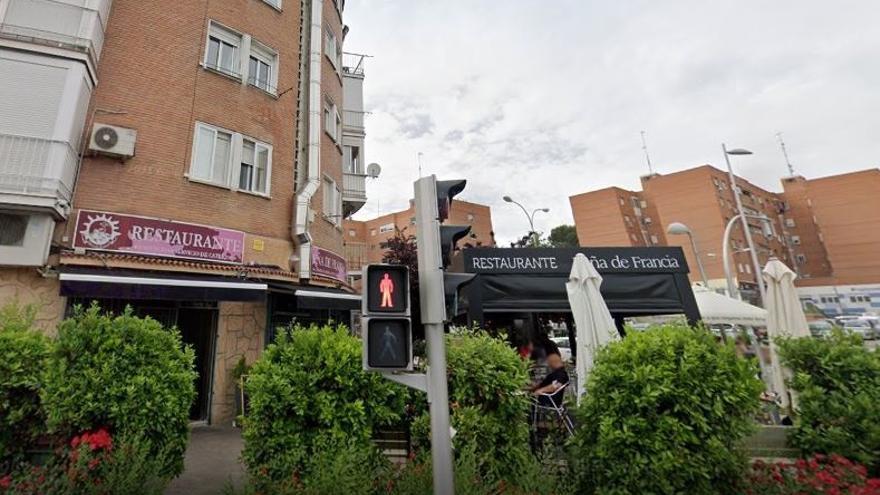 Dos encapuchados atracan a punta de pistola un restaurante de Madrid