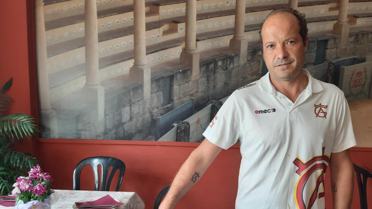 Rafael Gutiérrez, mesón Burdeos.