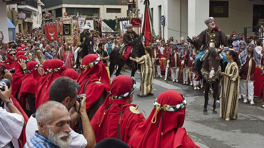 Festers acuerda suspender los Moros i Cristians 2021 de Ontinyent