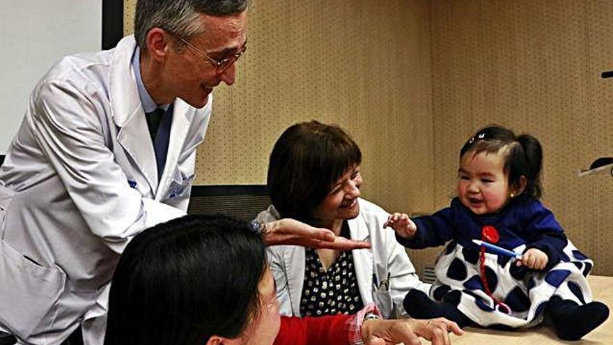Tracten una nena amb atròfia muscular espinal abans de presentar-ne símptomes