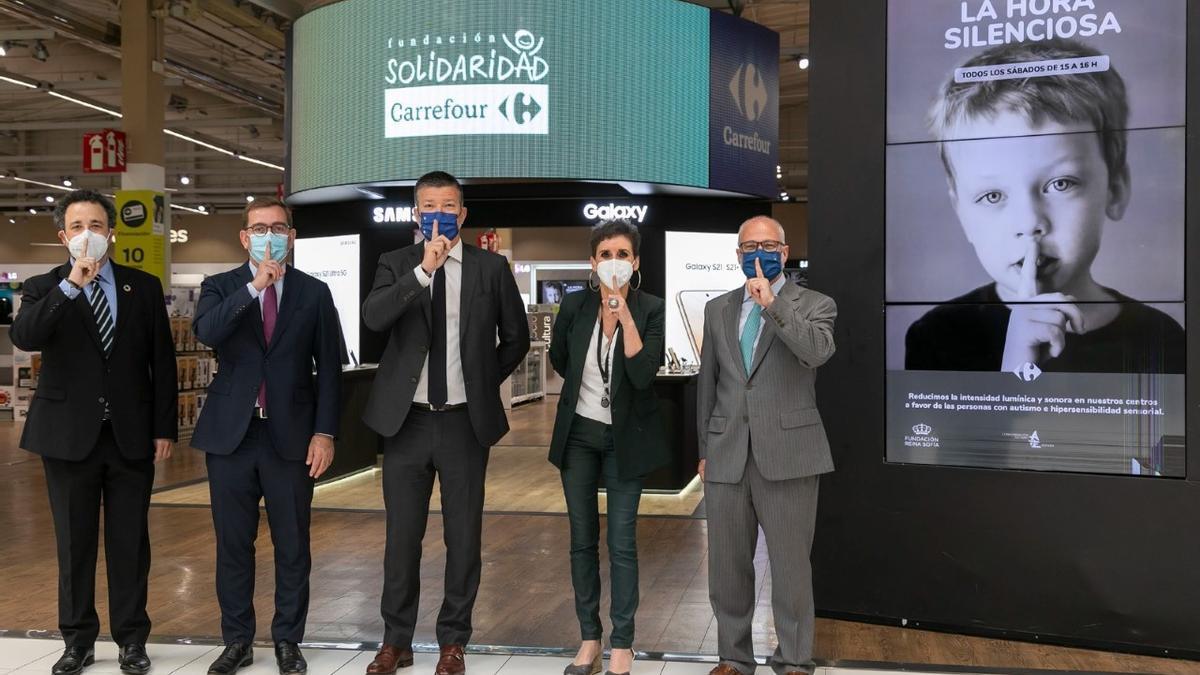 Directivos de  Carrefour España, en la presentación de la campaña.