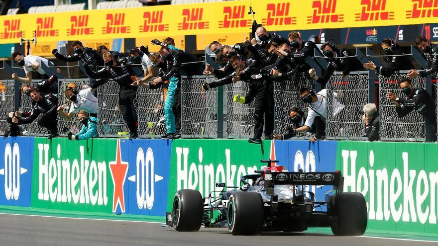 Hamilton gana el Gran Premio de Portugal; Alonso, octavo