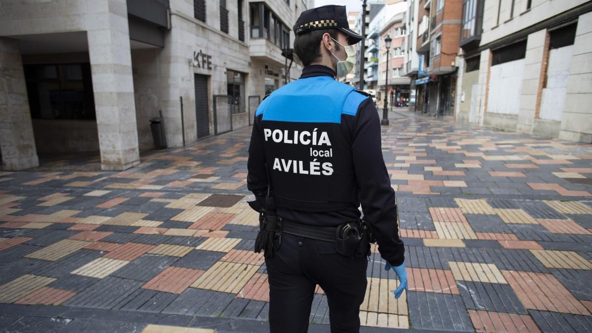 Un Policía Local en Avilés