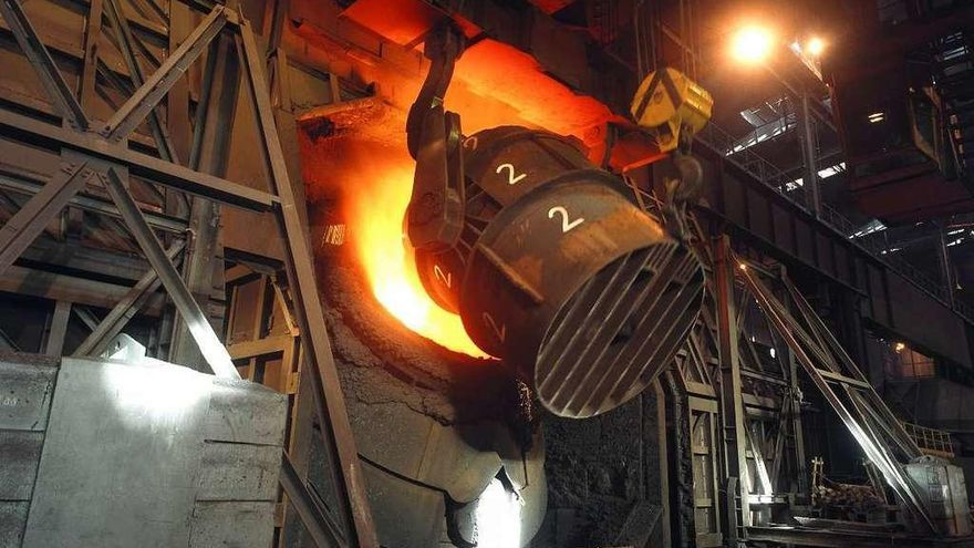 Arcelor invertirá en la acería de Gijón a pesar del rechazo al ajuste