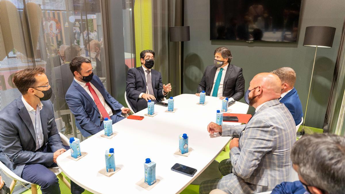 Reunión del presidente del Cabildo de Tenerife, Pedro Martín, la pasada semana en Ftur.