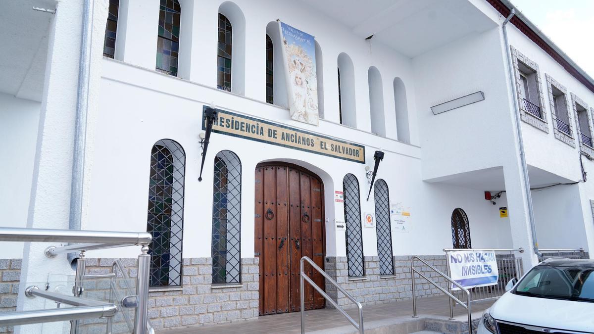 Residencia El Salvador, de Pedroche, donde existe un brote de contagio covid.