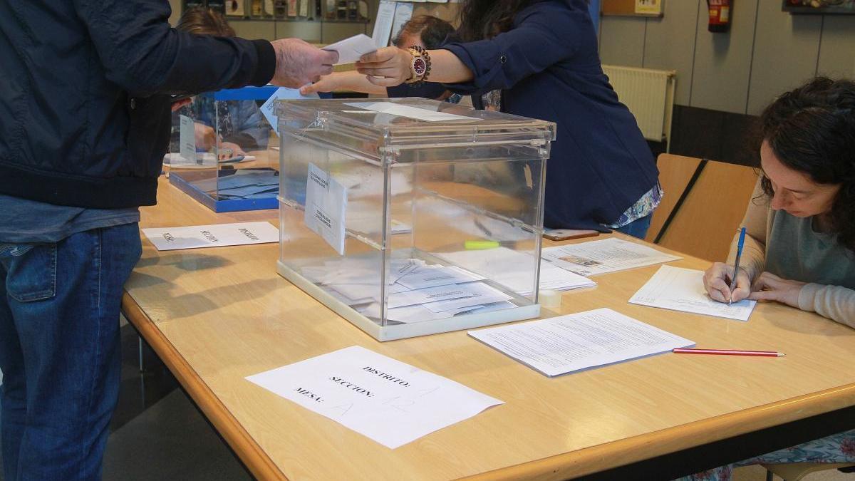 Una mesa electoral. // Iñaki Osorio