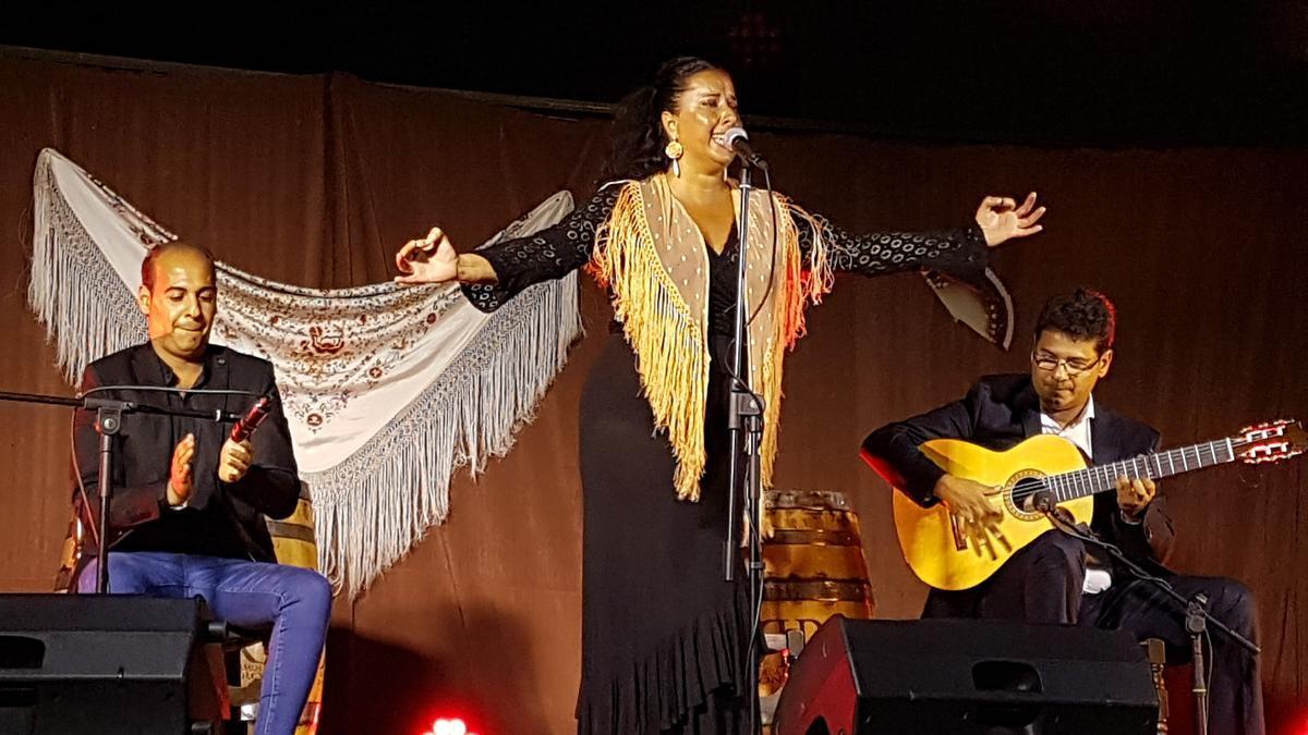 """La cantaora Eva Rubichi durante un concierto de otra edición de la """"Noche Flamenca"""""""