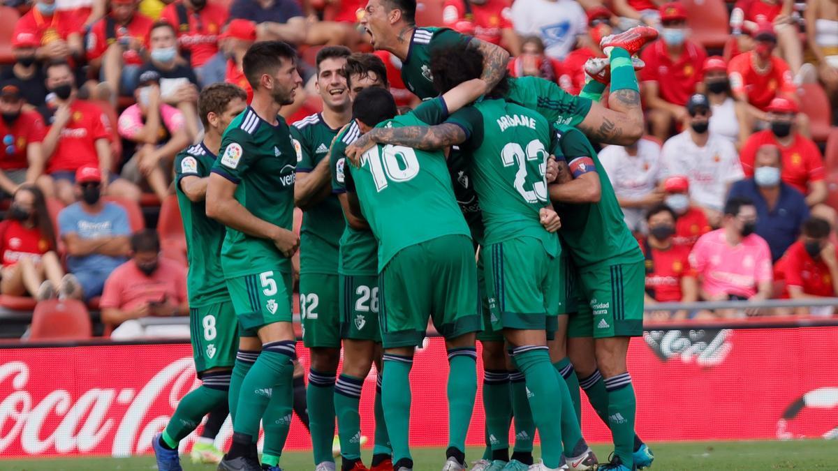 Los jugadores de Osasuna celebran uno de los goles en Mallorca.