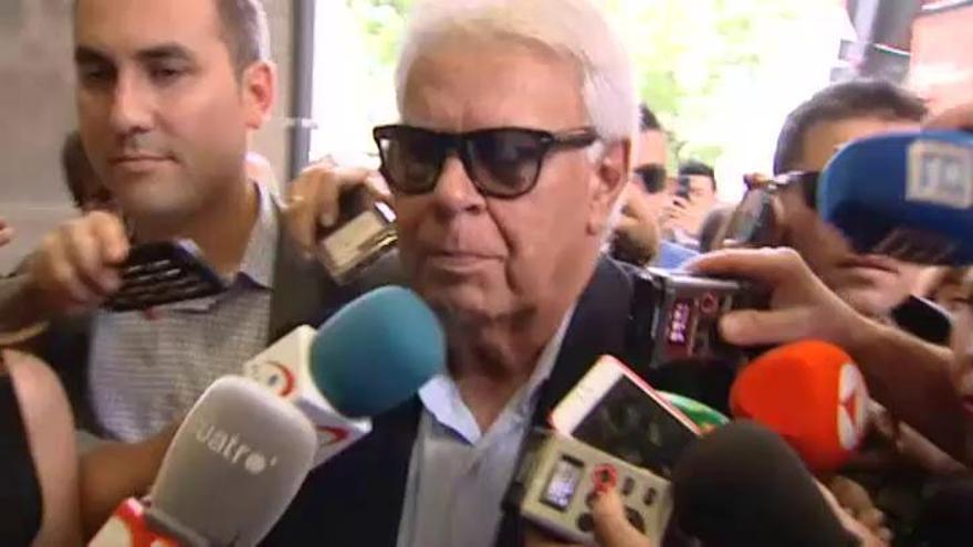 """González pide """"no interferir"""" para que Sánchez """"trabaje"""""""