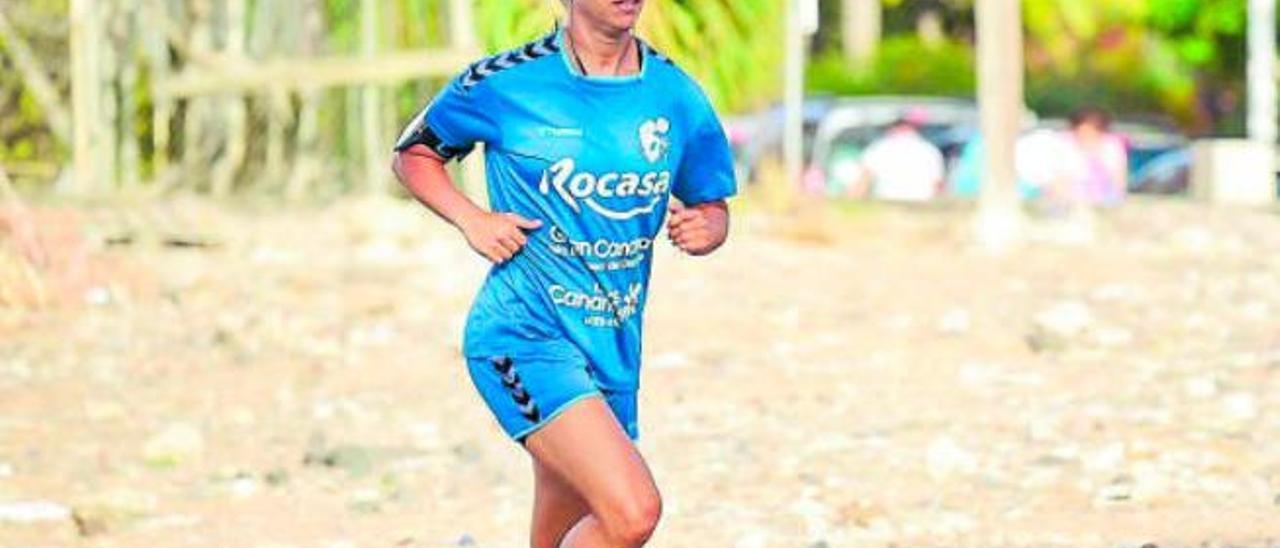 Tiddara Trojaola, durante uno de los entrenamientos de pretemporada del Rocasa Gran Canaria.