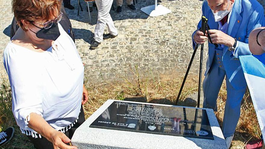 Un monolito para recordar para siempre la memoria de Francisco Fernández