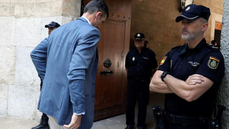 Iñaki Urdangarin llega a la Audiencia de Palma
