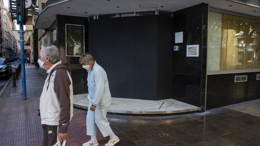 Los hoteles de Alicante denuncian la sangría de cancelaciones provocada por el adelanto del toque de queda