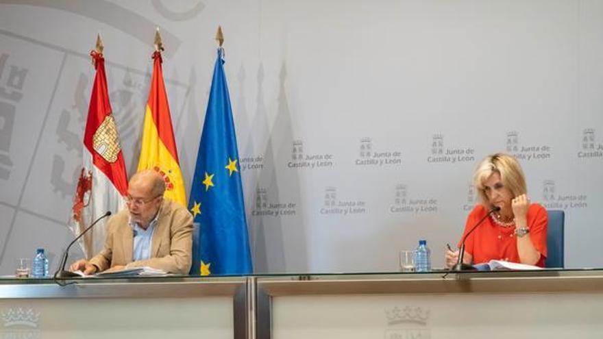 """Sanidad explica que los brotes están controlados y Castilla y León sigue en fase de """"contención"""""""