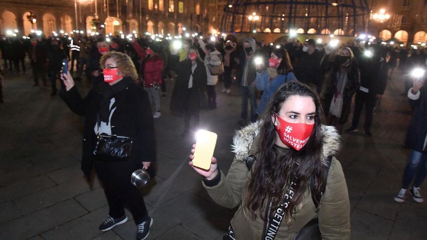 """Trescientos hosteleros de A Coruña demandan ayudas """"inmediatas"""" para salvar el sector por los cierres"""