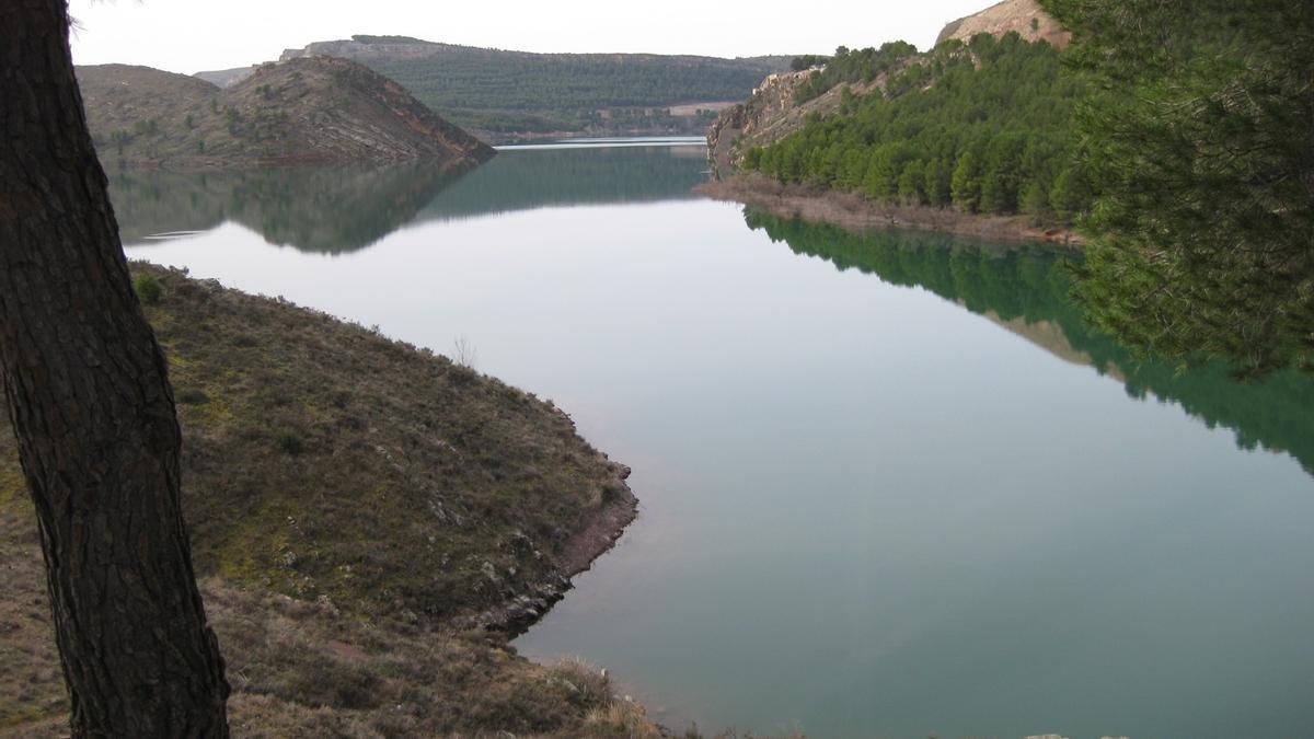 Archivo - La reserva de agua embalsada en la cuenca del Ebro está a un 80% de la capacidad total.